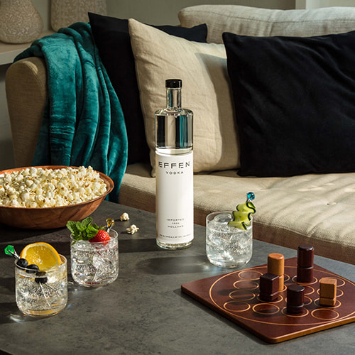 Vodka club soda with EFFEN Original Vodka: citrusy, light and refereshing. Perfect for summer time.