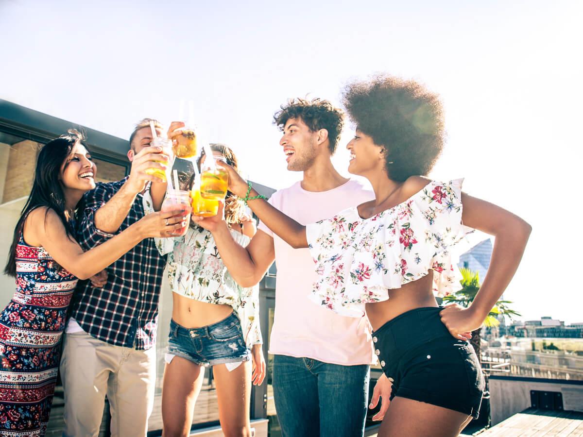 citrus-vodka-cocktails-with-friends