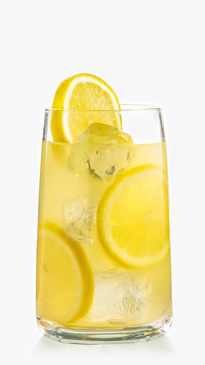 Citrus cocktail with EFFEN Yuzu Citrus Vodka, lemonade and grapefruit juice. Sweet and herbal!