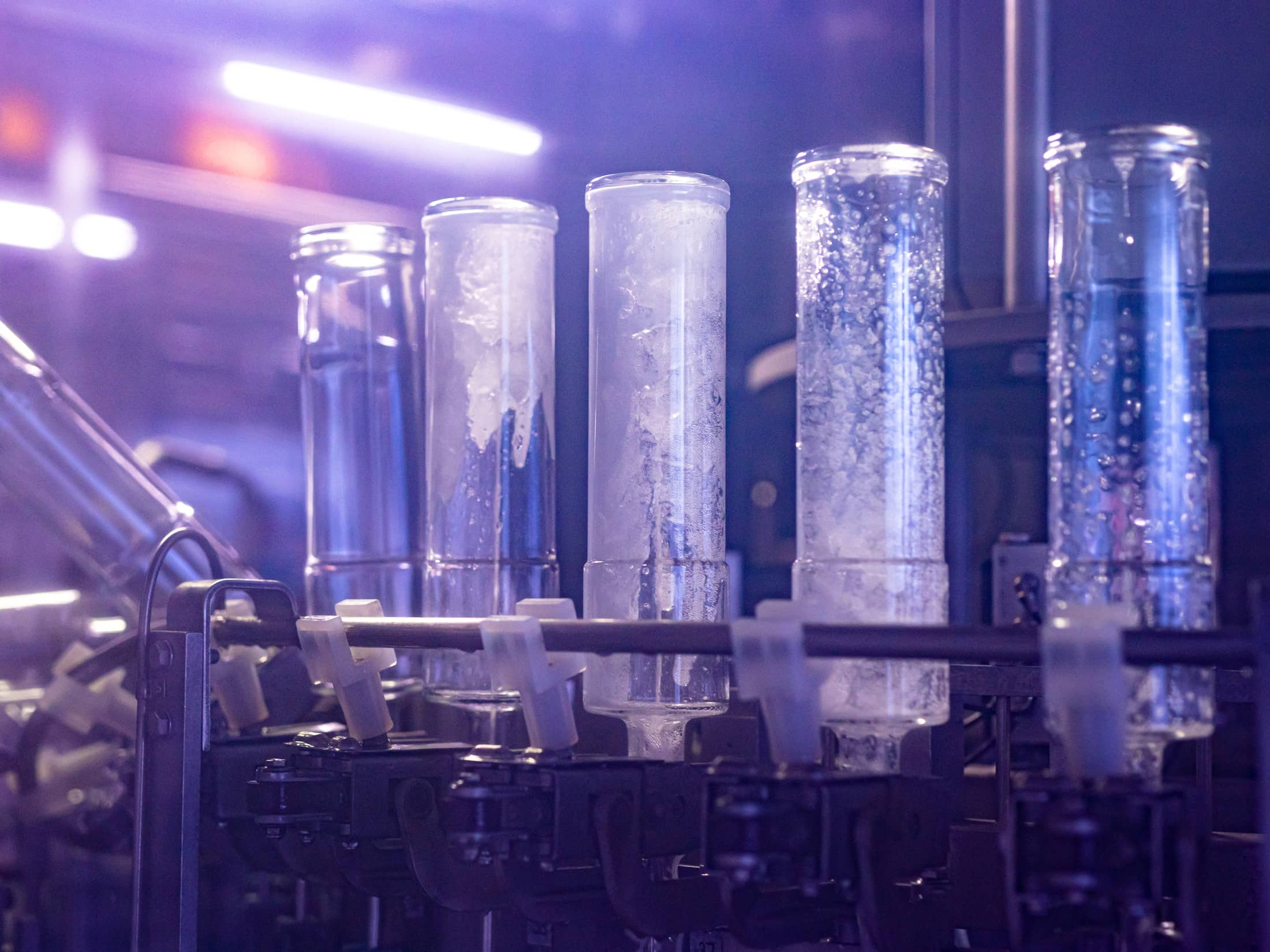 Our vodka distillation process makes the taste of EFFEN Vodka special.