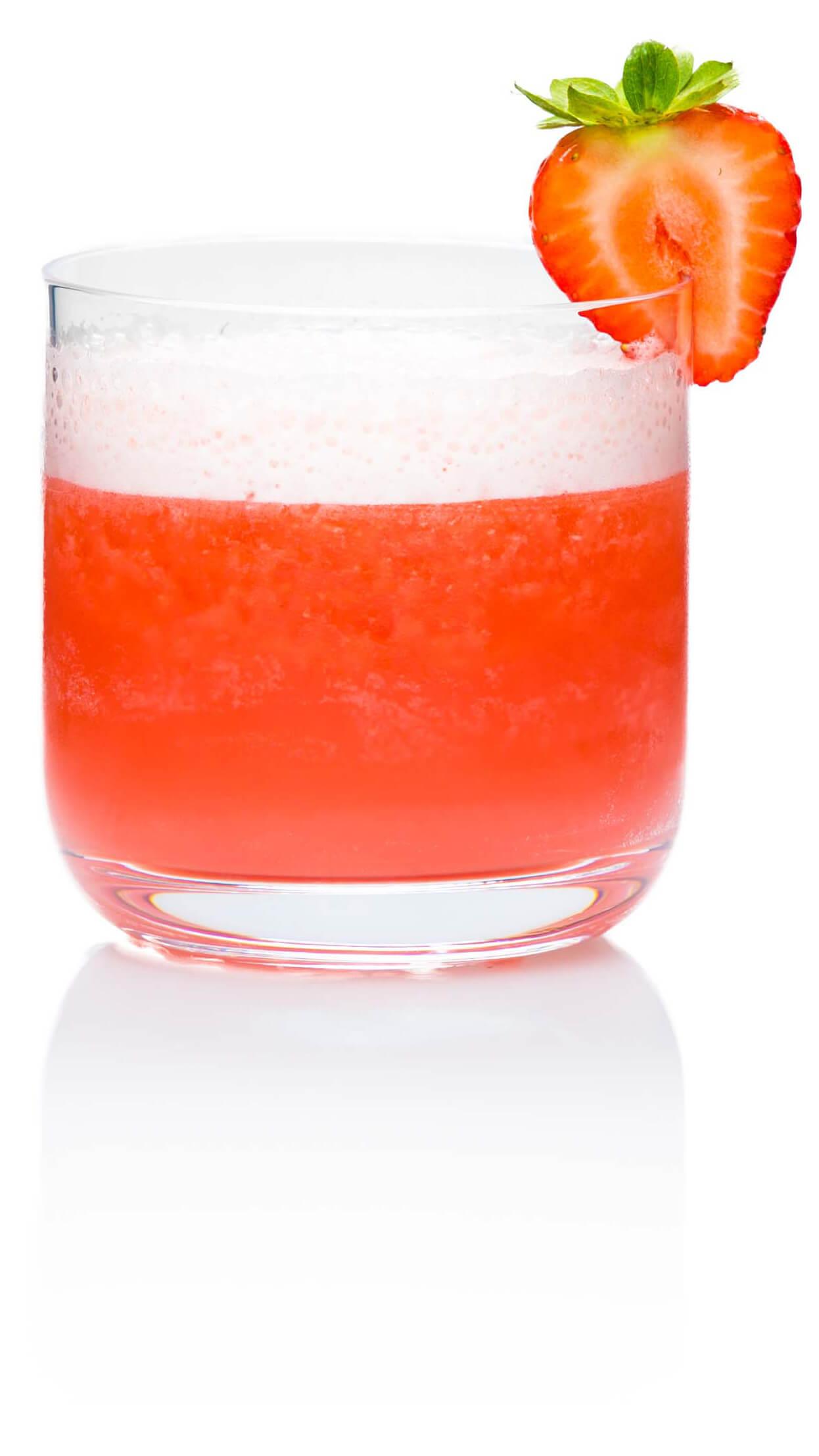 Frozen Rosé with EFFEN Rosé Vodka, lemon and grapefruit juice, dry vermouth and strawberries.