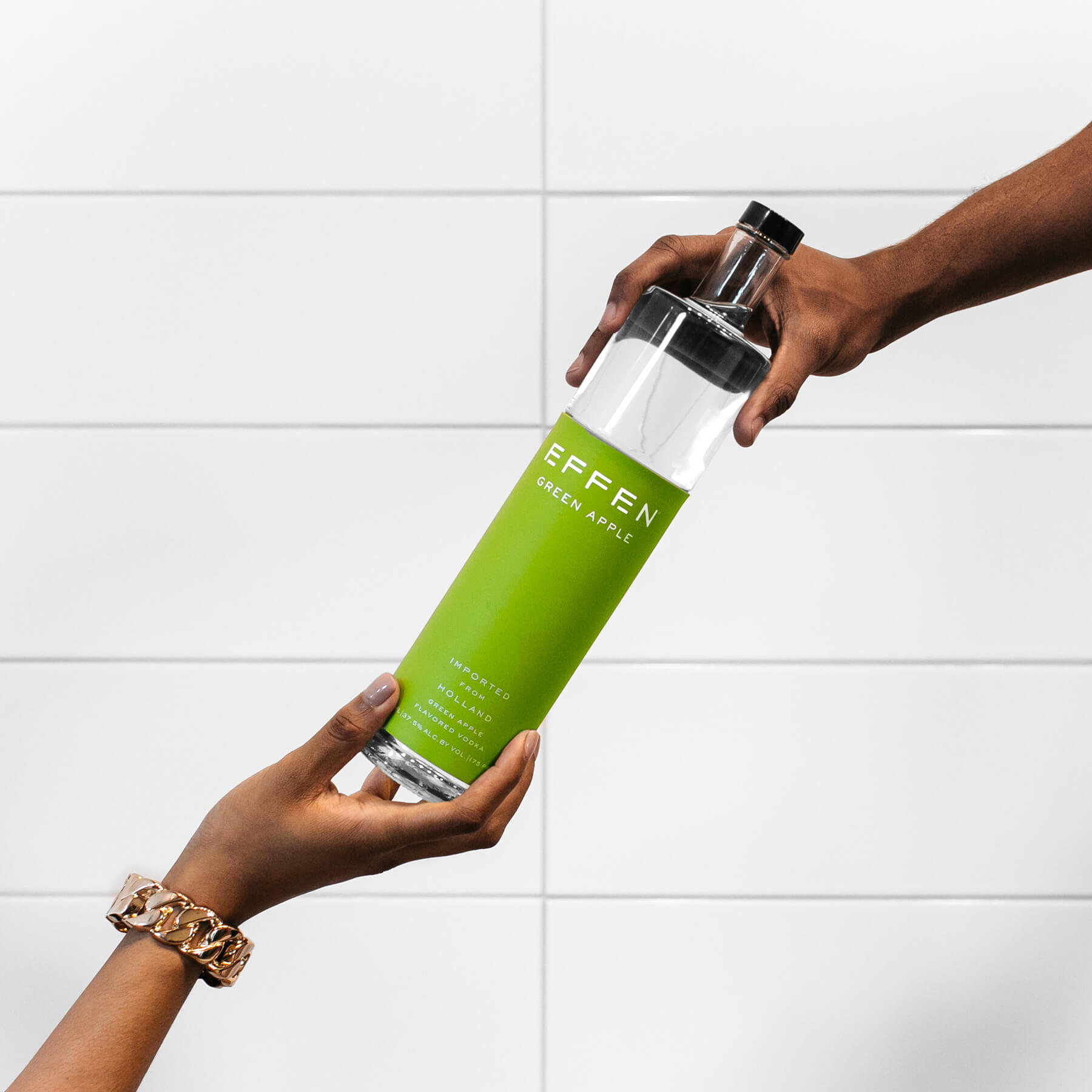 EFFEN Apple Vodka from is the perfect drink for hot summer days.