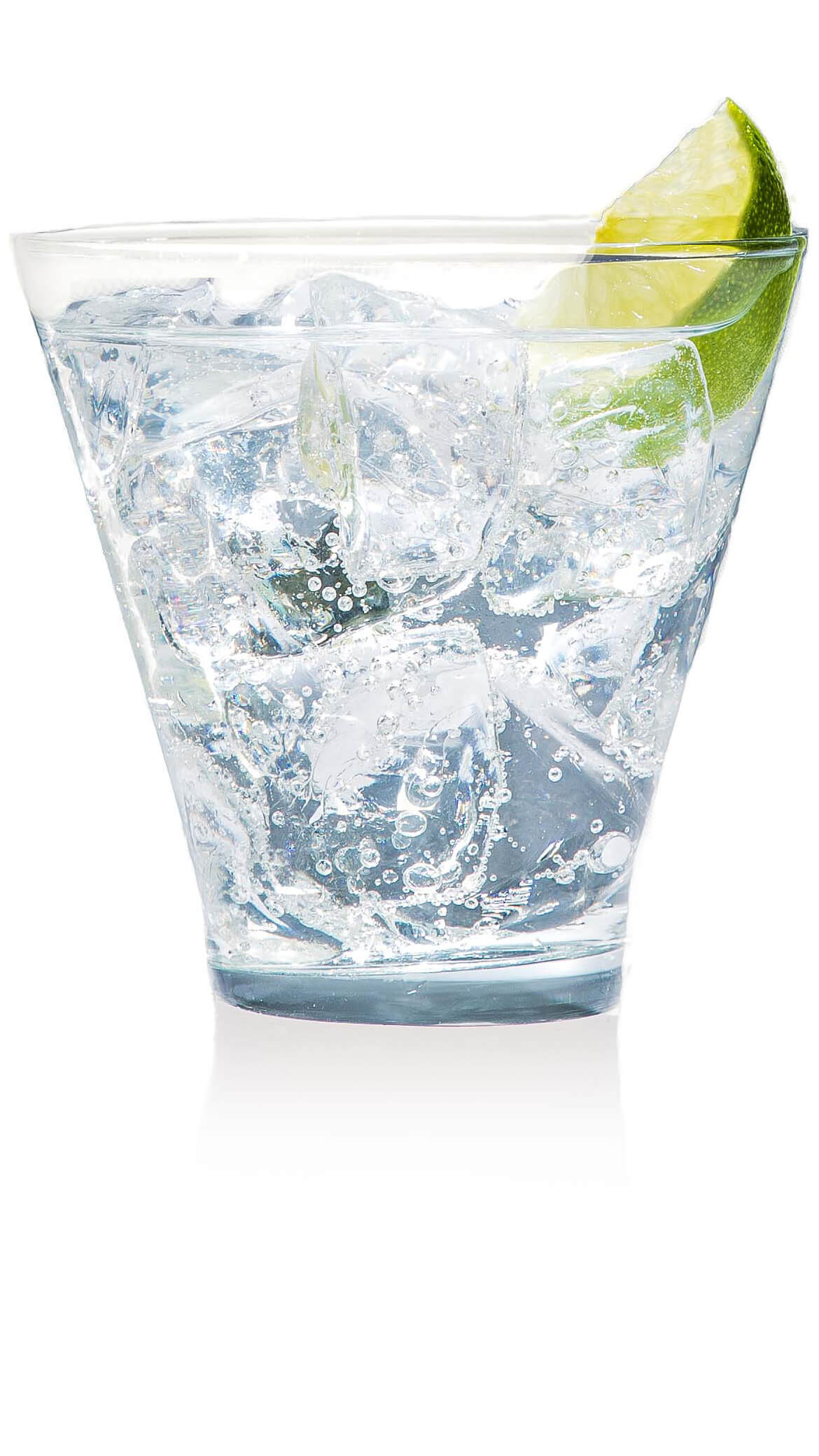 Vodka club soda with EFFEN Original Vodka: citrusy, light and refreshing. Perfect for summer time.