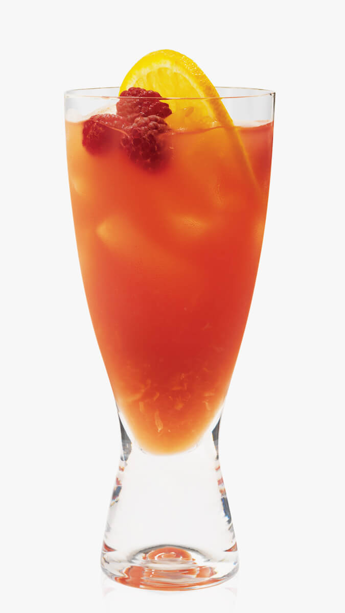Vodka strawberry lemonade with EFFEN Original: fruity with strawberry infused vodka & ginger beer.