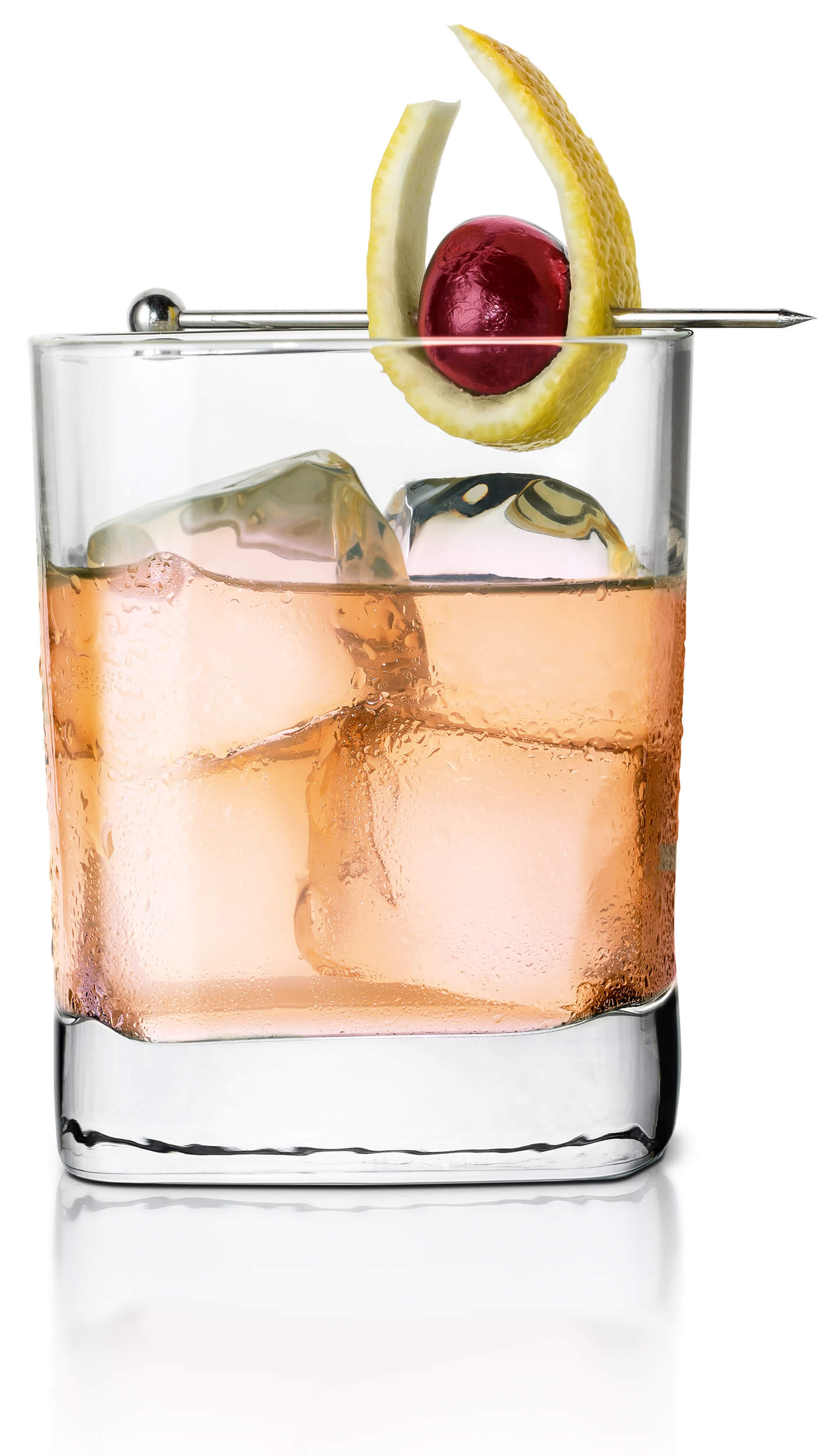 Vodka tonic with EFFEN Original: sweet and fruity, with peach juice and raspberries.