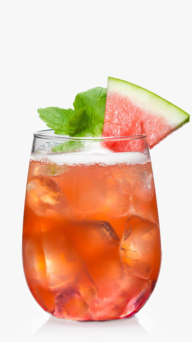 Watermleon Rosé with EFFEN Rosé Vodka, fresh watermelon juice and ice. Sweet & aromatic!
